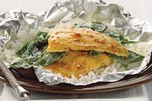 Paquetitos de pescado a la florentina envueltos en aluminio