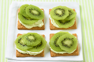 Fruit-Topped Crackers Image 1