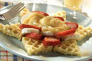 Fruity Waffle Star with Maple Custard