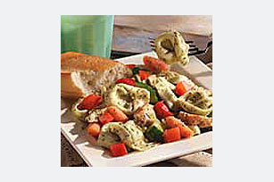 Garden Chicken Pesto Salad Image 1