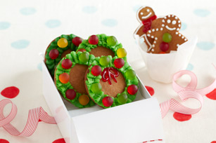Gingerbread Wreaths Image 1
