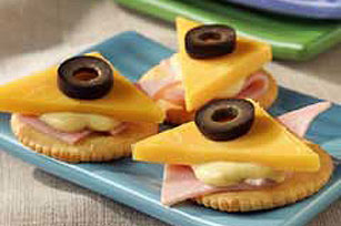 Ham and Cheddar Snacks Image 1