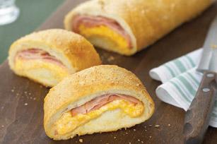 Pan relleno con jamón y queso cheddar Image 1