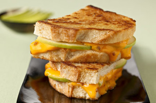 Grilled Cheese with Apples and Bacon Image 1