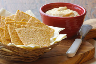Hummus and Cracker Snacker
