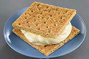 """Ice Cream"" Graham Sandwich"