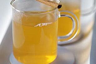 Sidra caliente con limón y especias