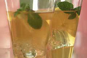 Lemony Iced Tea Image 1