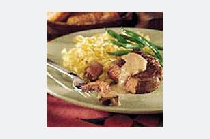 Bistecs de lomito de res con salsa a la crema Image 1