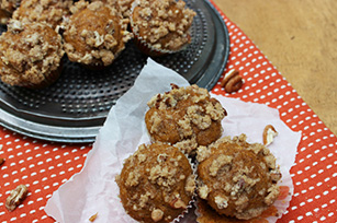 Mini Pumpkin Muffins with Streusel Topping