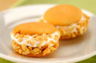 Nutty Marshmallow Cookie-Wiches Image 1