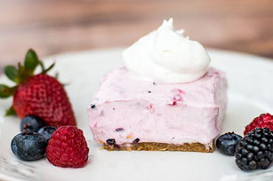 No-Bake Berry Smoothie Cheesecake