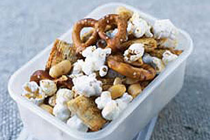 No-Bake Classic Snack Mix Image 1