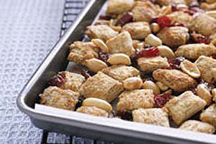 Nuts 'n Fruit Munch Mix Image 1