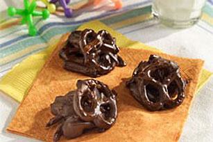 Nutty Raisin Pretzel Clusters Image 1