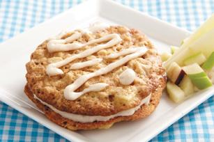 Oatmeal-Apple Cream Pies Image 1