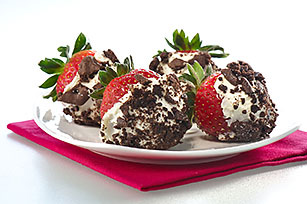 OREO Strawberries 'n Cream Image 1
