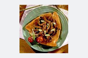 Asian-Sauced Sliced Steak on Toast Image 1