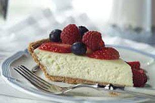 Cheesecake PHILADELPHIA® 3-STEP® de amaretto y bayas