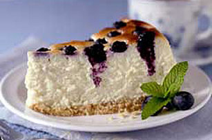 PHILADELPHIA® Blueberry Crown Cheesecake Image 1
