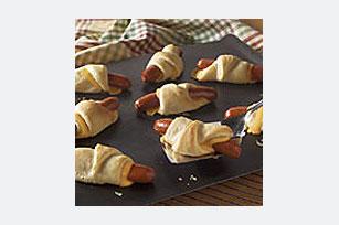 Salchichas con queso en media lunas Image 1