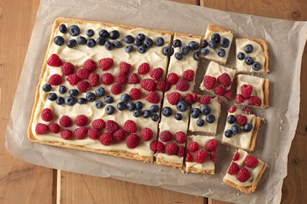 SNACK DELIGHTS Patriotic Berry Bites Image 1