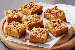 Pumpkin-Gingerbread Crumble Bars