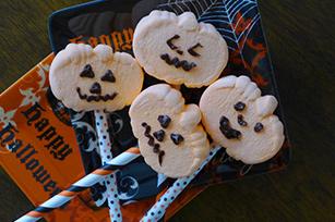 Pumpkin Mallow Pops