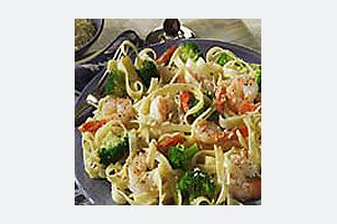 Quick Garlic Shrimp & Pasta Image 1