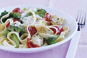 Pasta rápida de vegetales y pollo Image 1