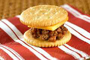 RITZ®-y Bitsy Cheeseburgers Image 1