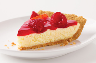 Raspberry Glacé Cheesecake Pie