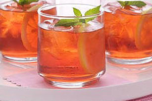 Raspberry Tea Cocktail Image 1