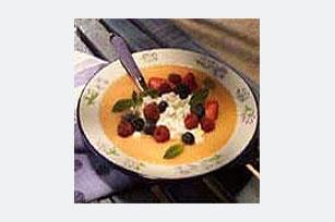 Refrescante sopa de melón con variedad de bayas Image 1