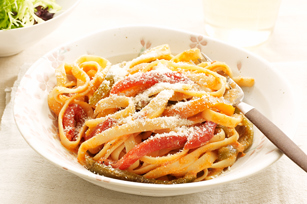 Roasted Three-Pepper Pasta Primavera Image 1