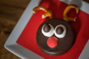 Rudolph Reindeer Cookies Image 1