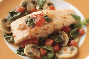 Salmon with Tomatoes, Spinach & Mushrooms Image 1