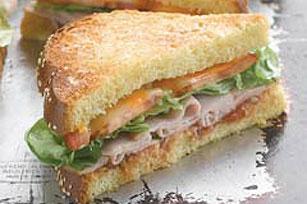 Sándwich de pavo con salsa al horno Image 1