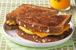 Scrambled Egg Sandwich to Go Image 1