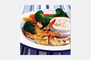 Shrimp with Mayonesa Garlic and Roasted Red Pepper Dipping Sauce Image 1