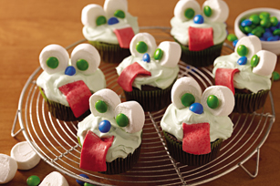 """Slime-Filled"" Monster Cupcakes Image 1"