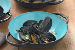 Spanish Inspired Mussels Recipe