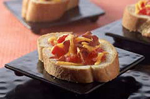 Spicy Tomato-Cheese Bread Image 1