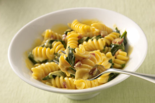 Sharp Cheddar VELVEETA®, Spinach & Bacon Rotini