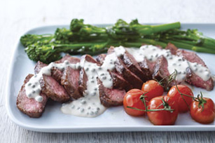 Steak with Creamy Peppercorn Sauce Image 1