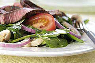 Steak & Spinach Salad Image 1