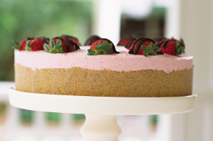No-Bake Strawberry Cream Cake Image 1