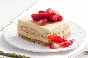 Cuadritos de pastel de fresa