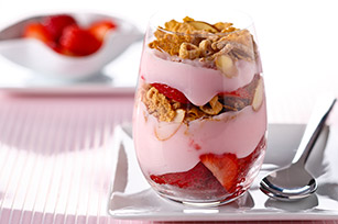 Strawberry Yogurt Parfait Image 1