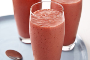 Strawberry Smoothie with Yogurt